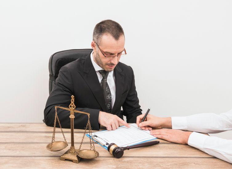 Derecho mercantil y concursal